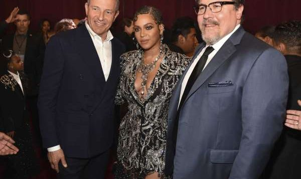 'Lion King' Director Jon Favreau Talks Virtual Production and Working With Beyonce